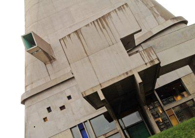 Firminy L'église 2 - Le Corbusier
